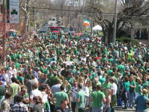 Thousands of Irish and pretenders celebrate St. Paddy's Day In St. Louis
